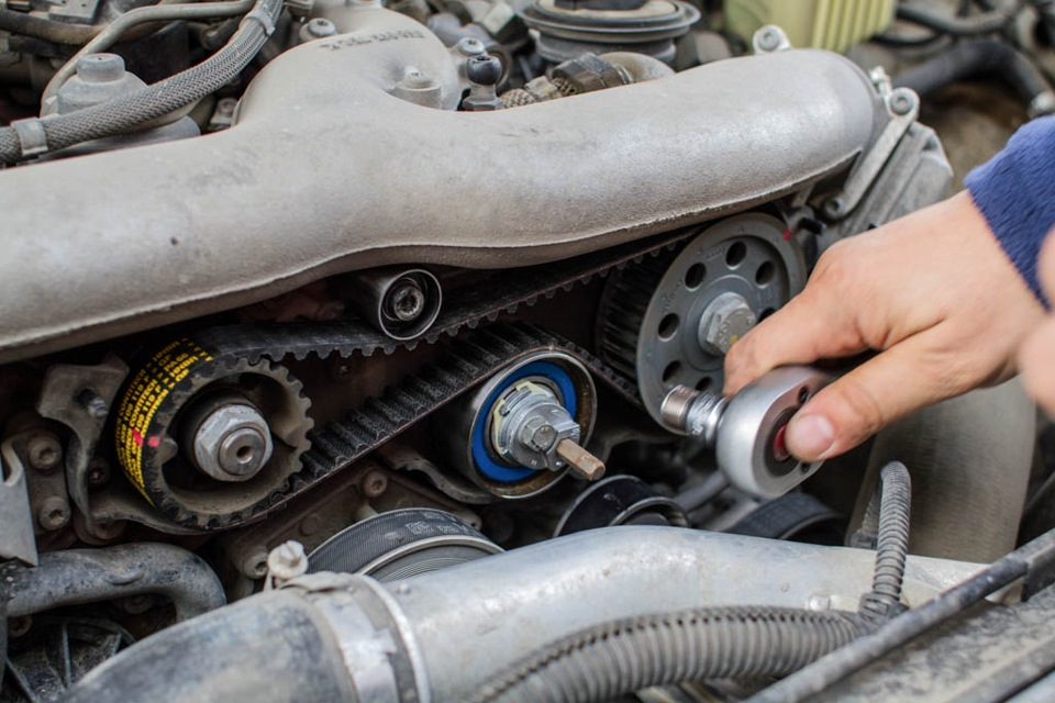 Как заменить ремень ТНВД в Land Rover