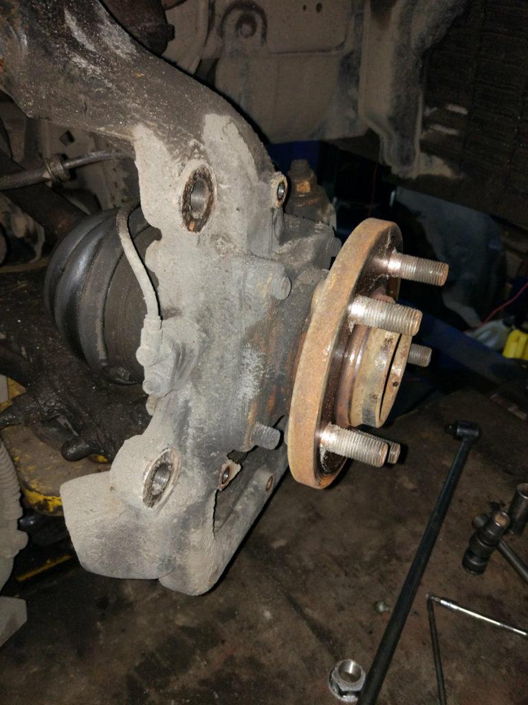 замена передней ступицы land rover