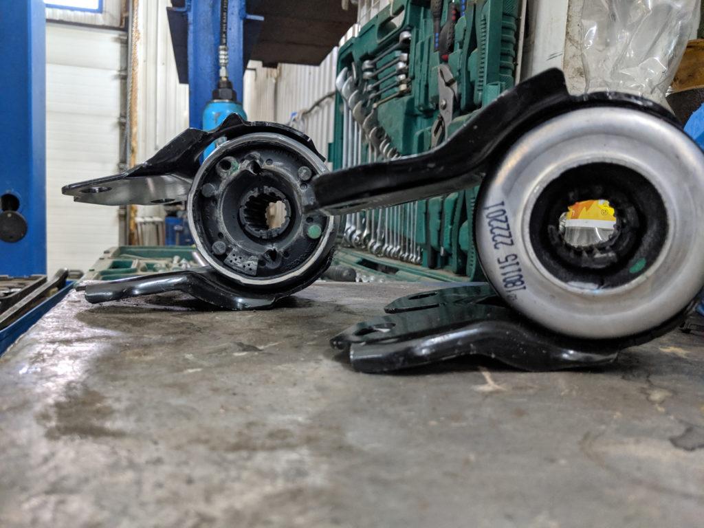 замена сайлентблоков передних верхних рычагов land rover