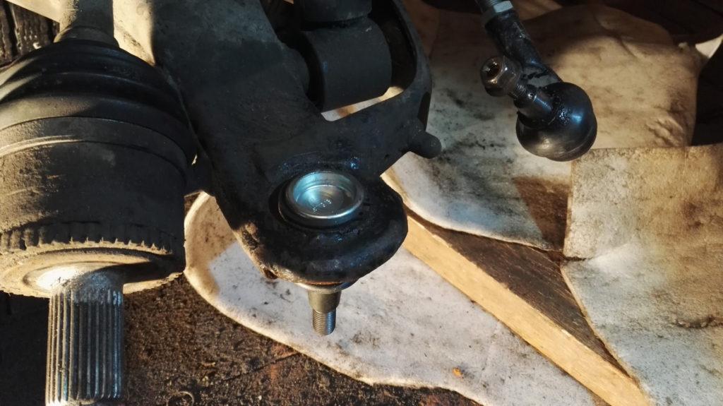 замена шаровой опоры land rover